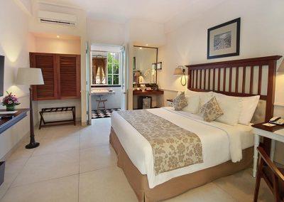 009 Deluxe Garden Bedroom